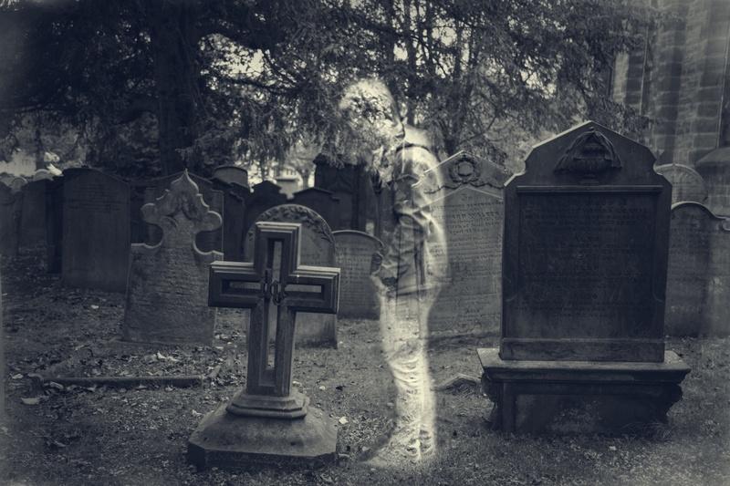 Kísértet a temetőben